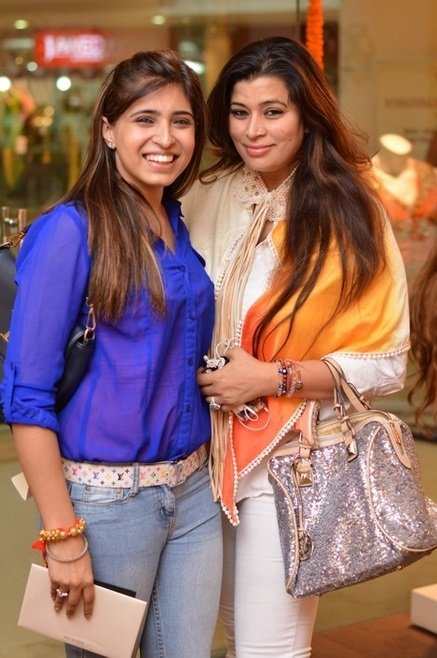 Rashi-Anand-and-her-Mother-Be-An-Inspirer