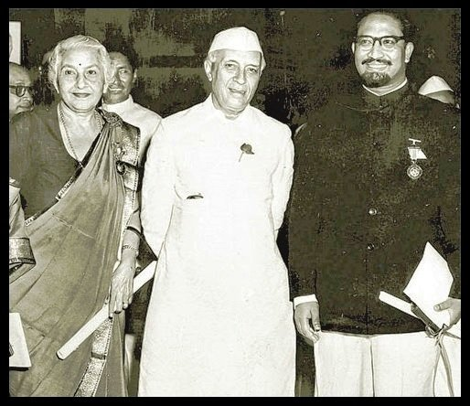 Mihir-Sen-with-Jawaharlal-Nehru-and-Vijaya-Lakshmi-Pandit-Be-An-Inspirer