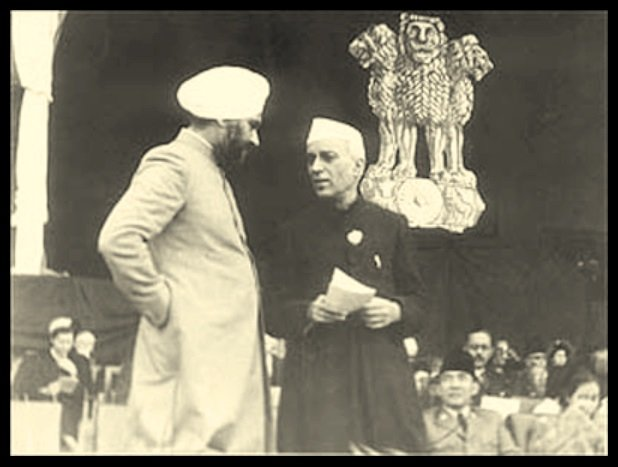 Baldev-Singh-with-the-First-Prime-Minister-of-India-Pandit-Jawaharlal-Nehru-Be-An-Inspirer